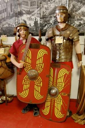 Gladiator museum visit during gladiator course in Rome