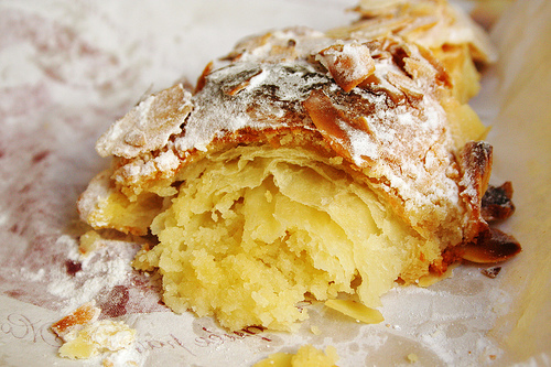 Pastry-cooking-crossaint