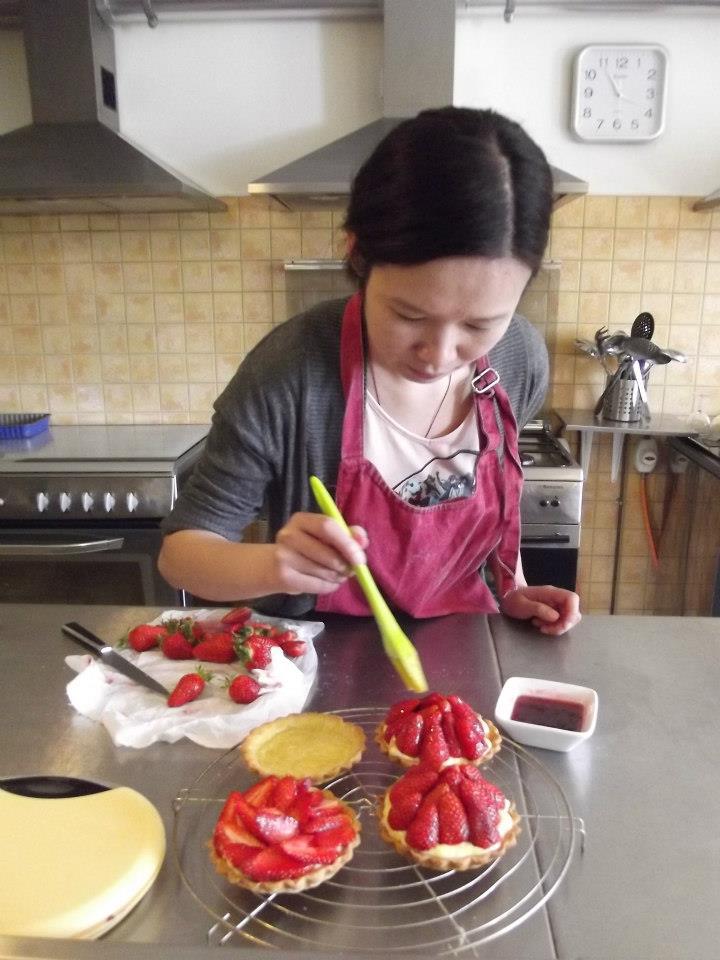 glazing strawberries