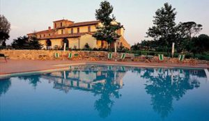 Cookery holidays in Tuscany, Italy - pool (4)