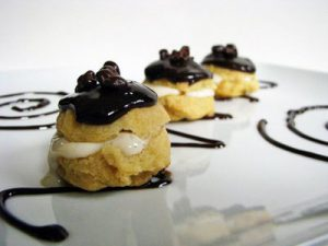 French pastry and baking cookery course in Bordeaux, France - eclairs