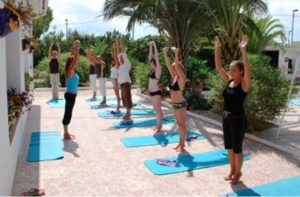 Yoga_holiday_Murcia_outdoor_lesson_
