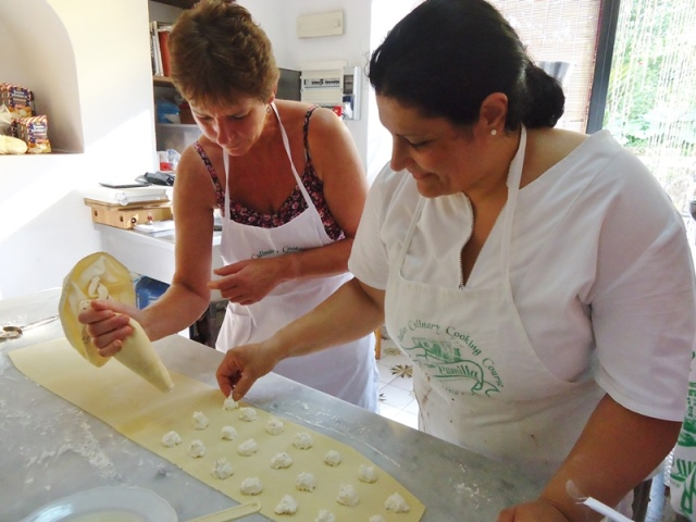 Cooking_pastry_pizza_and_gelato_holiday_food_tortellini