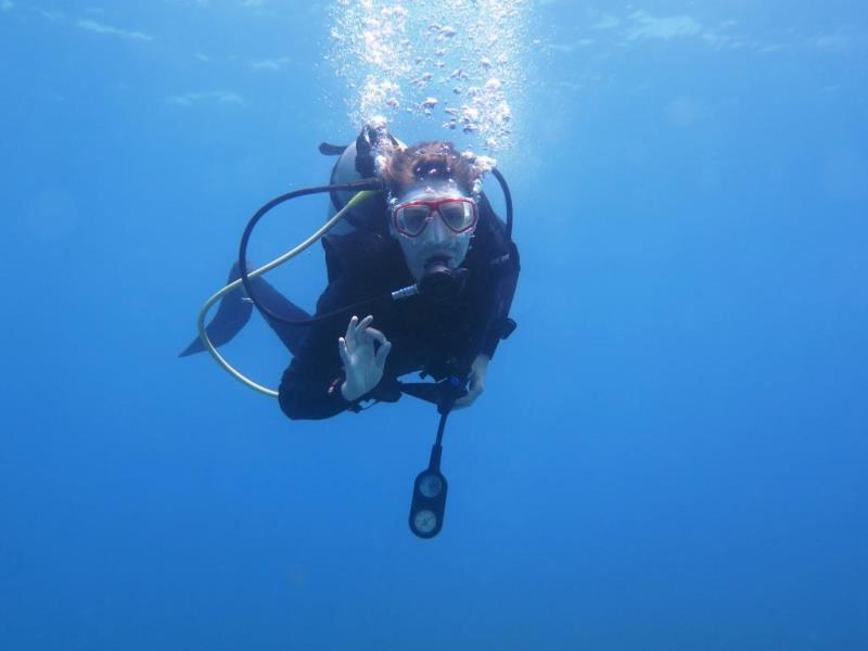 language holiday student scuba diving in the Dominican Republic