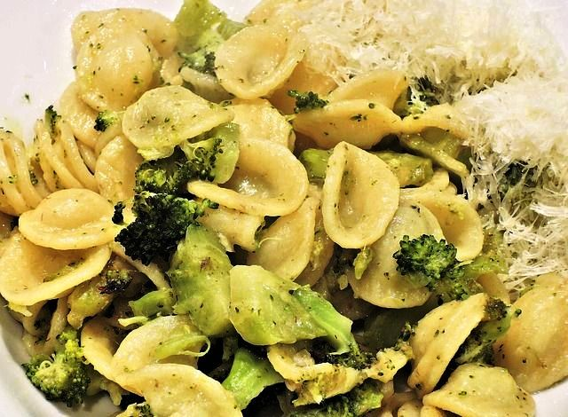 Orecchiette Italian pasta dish with broccoli