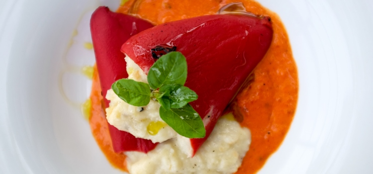 spanish dish of stuffed red peppers