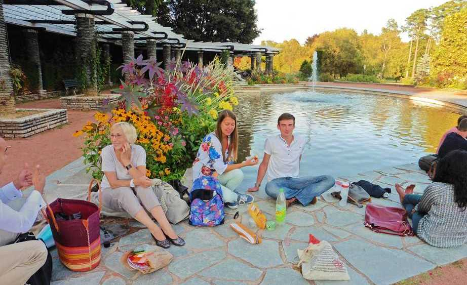 language students have a picnic in park in Lyon