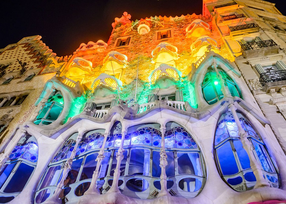 Gaudi Light In the Night