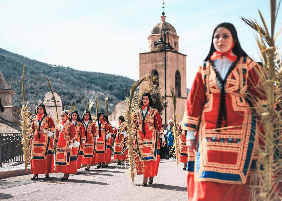 Tradition-Costume-Identity
