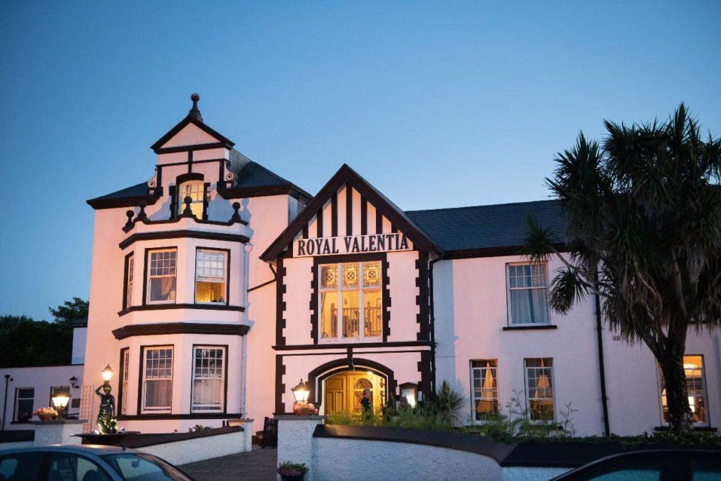 exterior of Iveragh Penninsula hotel