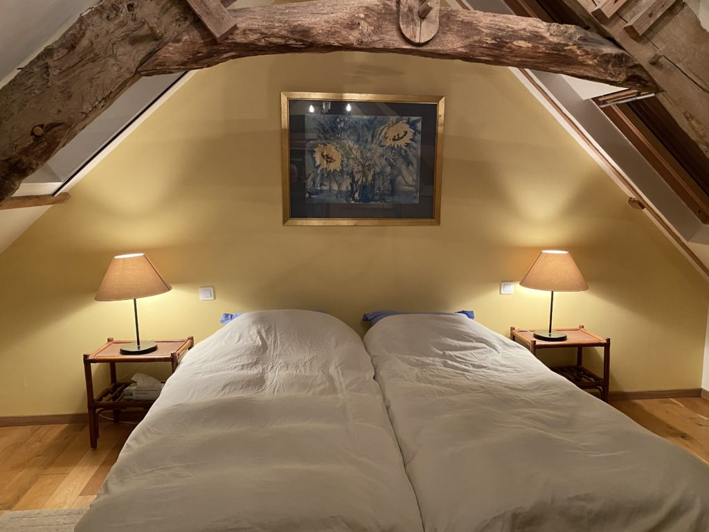 B&B twin bedroom in Brittany accommodation