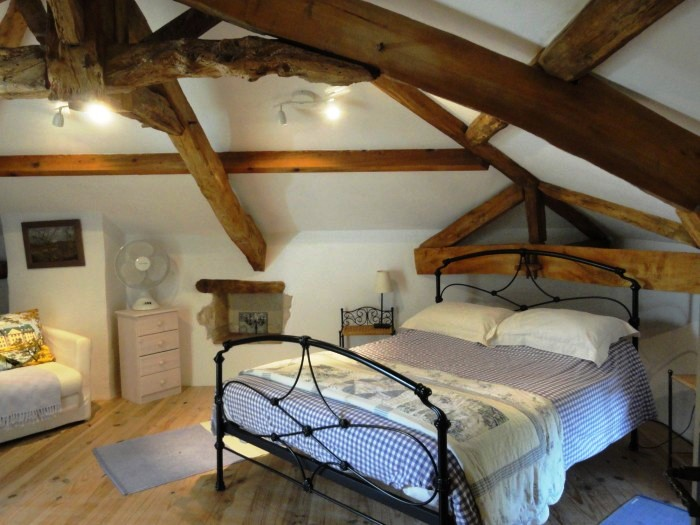 double bedroom accommodation in gascony