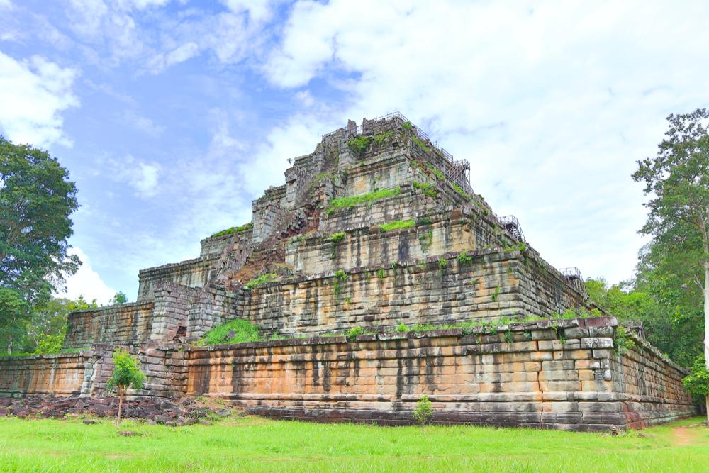 koh ker pyramid in cambodia