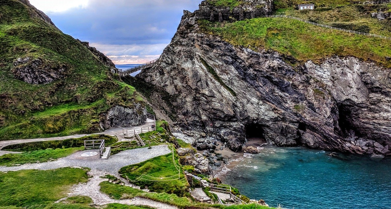coves and rocky walking paths in Cornwall