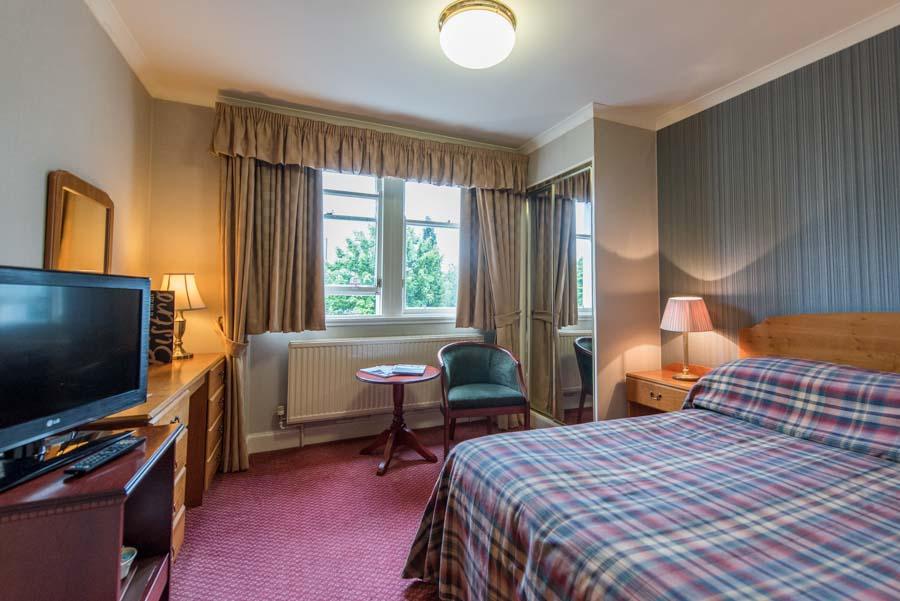 bedroom in hotel in fort william