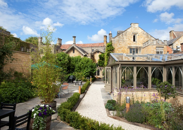 country hotel in the cotswolds