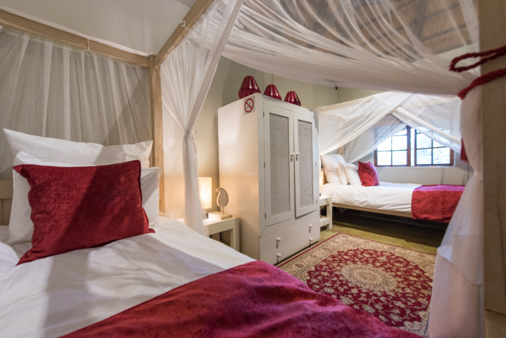 luxurious bed in lodge south africa