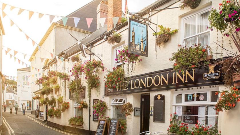 the london inn pub in cornwall