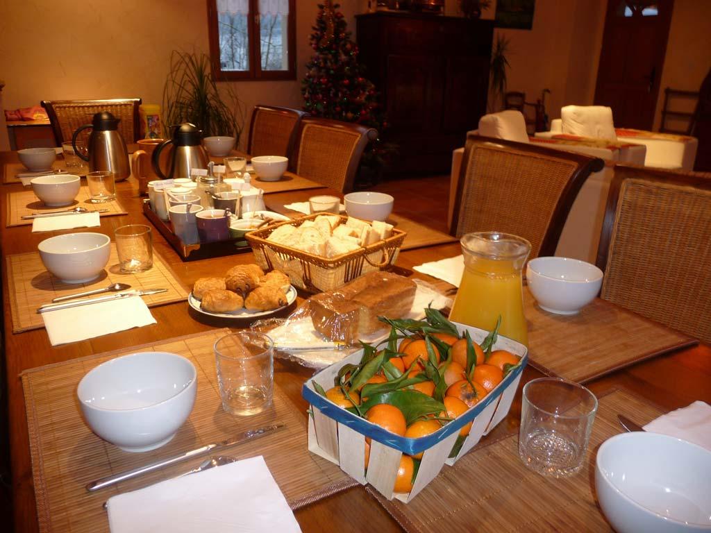 breakfast table in france