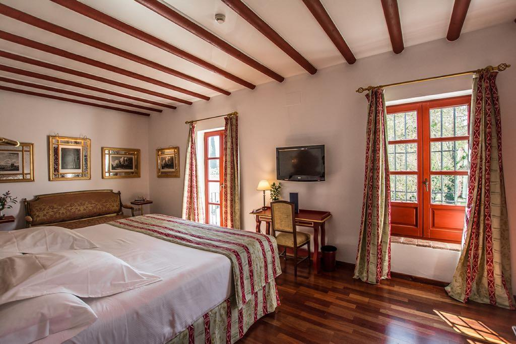 hotel room in cordoba