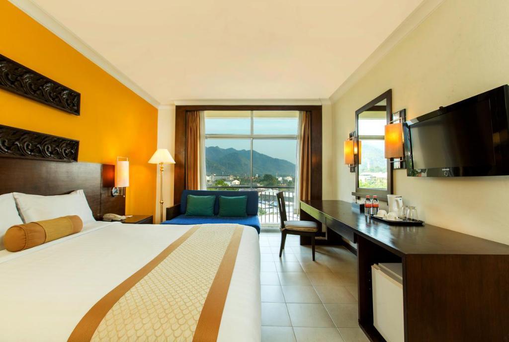 Tinidee Hotel room