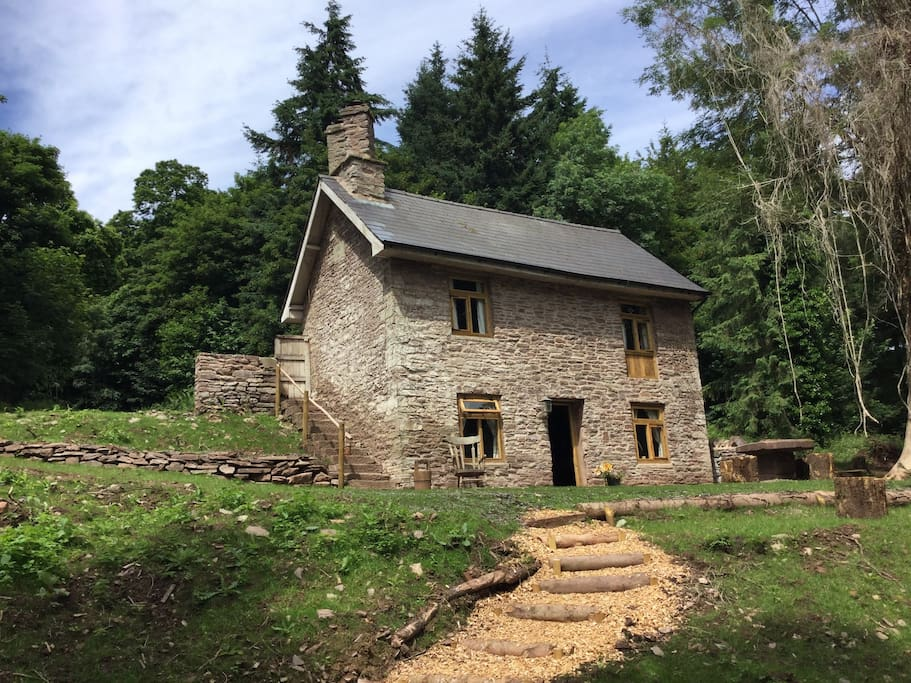 mrs higg's cottage exterior