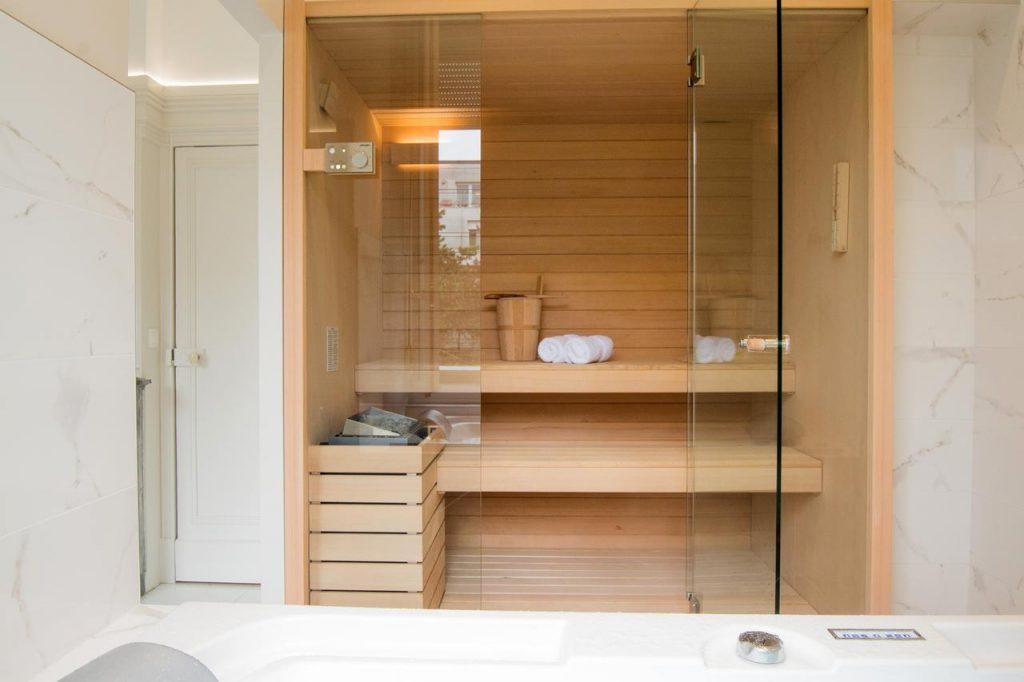 sauna in a hotel in reims